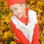 Beautiful little girl having fun outdoors — Stock Photo #4783659