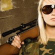 Beautiful woman soldier with a sniper rifle — Foto de Stock