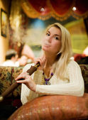 Beautiful youn woman with hookah — Foto Stock