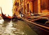 Tradicional passeio de gôndola de veneza — Fotografia Stock