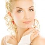 Beautiful bride close-up portrait — Stock Photo #4791294