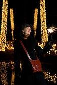 用上抽象 blurr 圣诞烟花美丽快乐的女孩 — 图库照片
