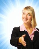 Femme d'affaires sur fond bleu abstrait — Photo