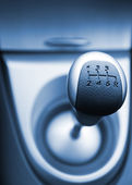 Six speed gear stick toned in blue (shallow DoF) — Stock Photo