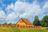 Gezellig huisje — Stockfoto