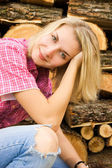 Portrait of a beautiful country girl — Stock Photo