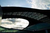крыша терминала аэропорта — Стоковое фото