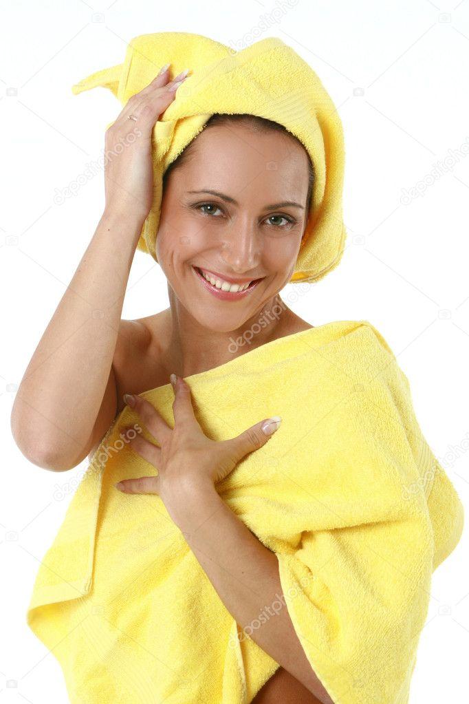 Девушка с утра в полотенце видео фото 132-443