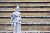 Rzeźby w parku w peterhof — Zdjęcie stockowe