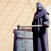 Executioner on a scaffold. — Stock Photo