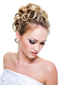 Ringlet wedding hairstyle — Stock Photo