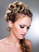 Fashion wedding hairstyle — Stock Photo