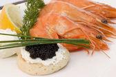Shrimps and caviar — Stock Photo