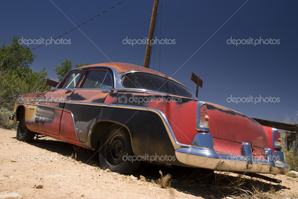 Old car in the famous route 66 road in USA — Stock Photo #3582421