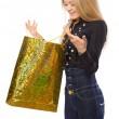 joven abra la bolsa de compras — Foto de Stock