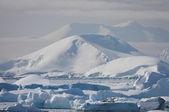 Zasněžené hory — Stock fotografie