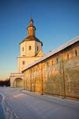 Monasterio de la pared en las luces del atardecer — Foto de Stock