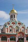 Tempel av den gudomliga modern på det röda området i moskva — Stockfoto