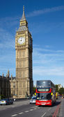 Double-decker bus near of Big Ben tower — Stock Photo
