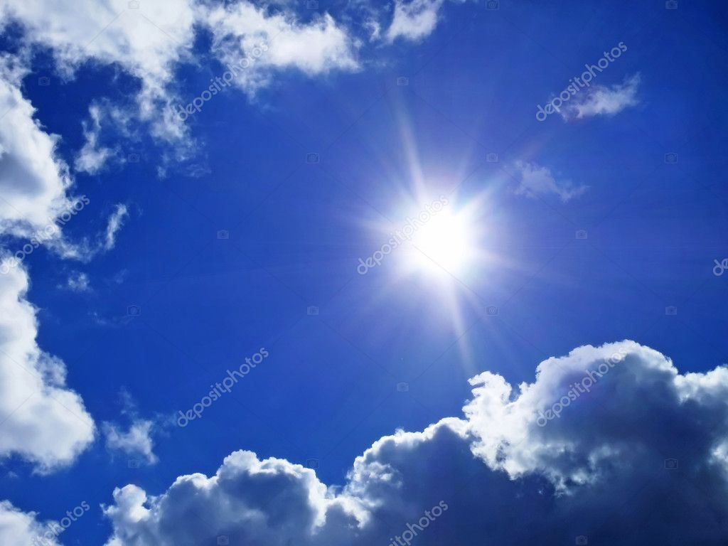 Deep blue sky with clouds and sunlight rays — Stock Photo #2731899
