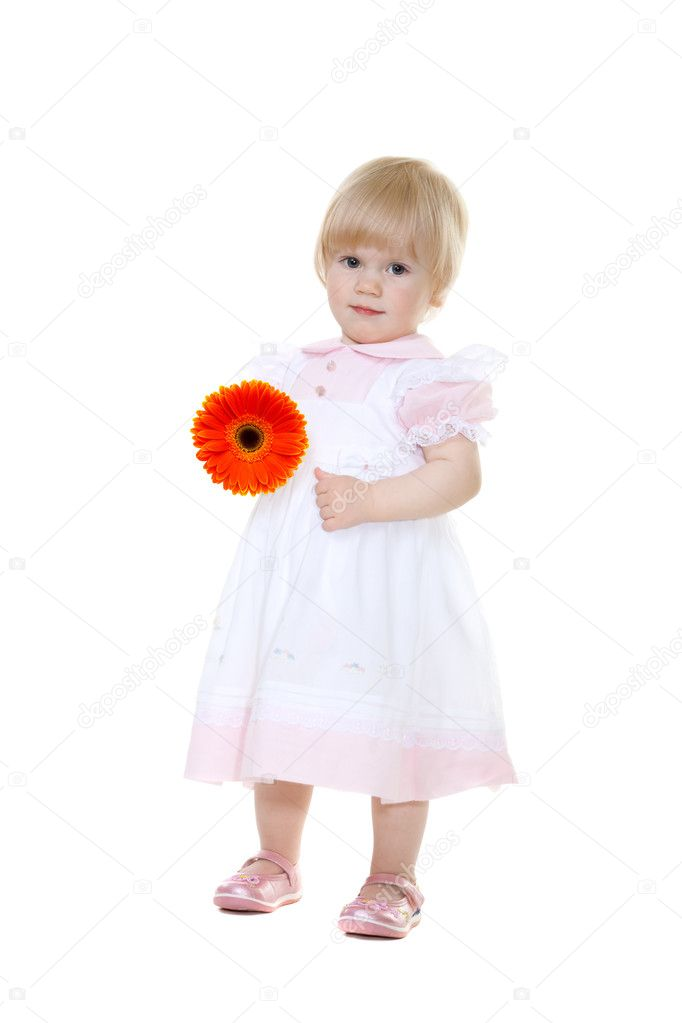 Mother's Day. Сute baby with flower gerbera isolated on white, Focus on a flower — Stockfoto #3011620