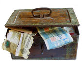 Rusty chest with money — Stock Photo