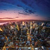 Gran manzana después de puesta del sol - nueva york manhat — Foto de Stock