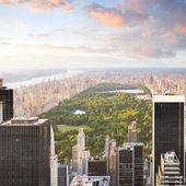 纽约中央公园与城市的景观 — 图库照片