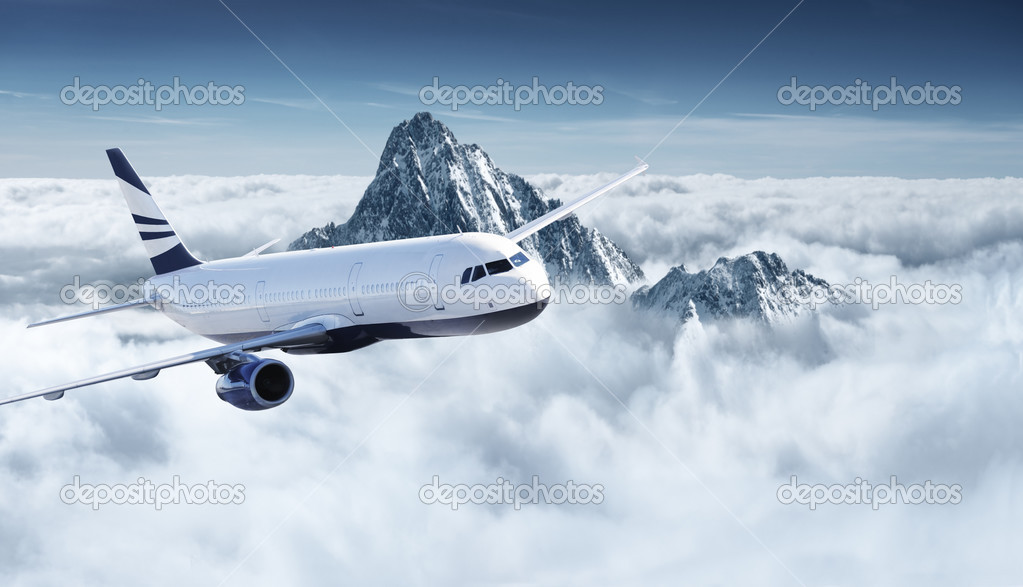 Airplane in the sky - Passenger Airliner / aircraft  — Stockfoto #3200899