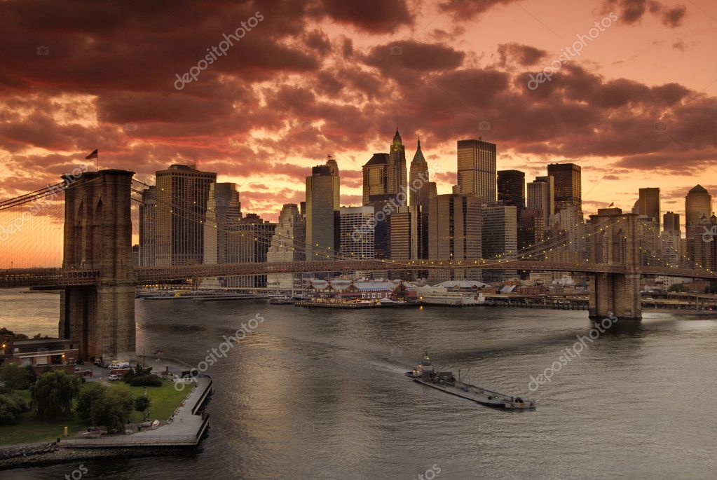 New york City  - Brooklyn bridge after sunset — Stock Photo #3201028