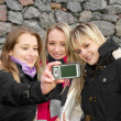 Girls Taking Picture — Foto de Stock