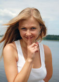 Beuatiful woman with silent gesture — Foto Stock