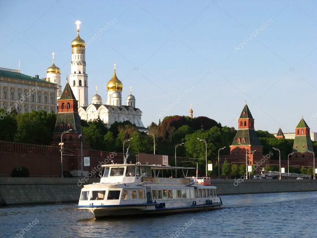 Moscow river cruise boat (Moscow, Russia) — Stock Photo #2823008