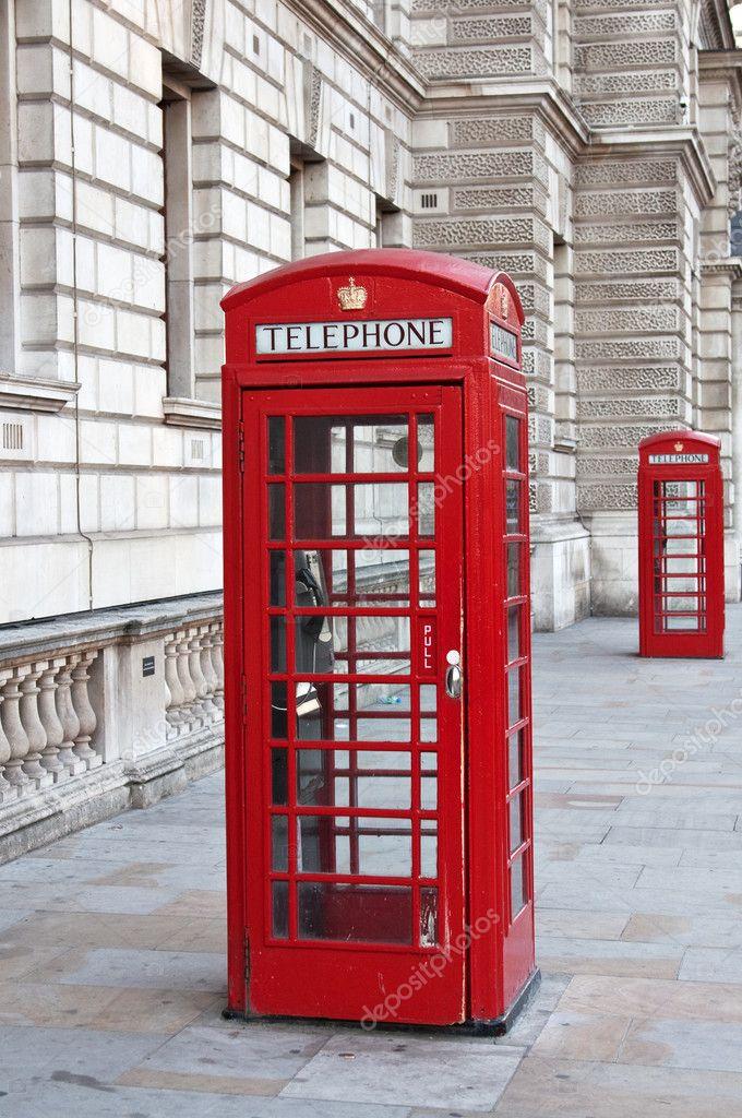 在伦敦的红色电话亭