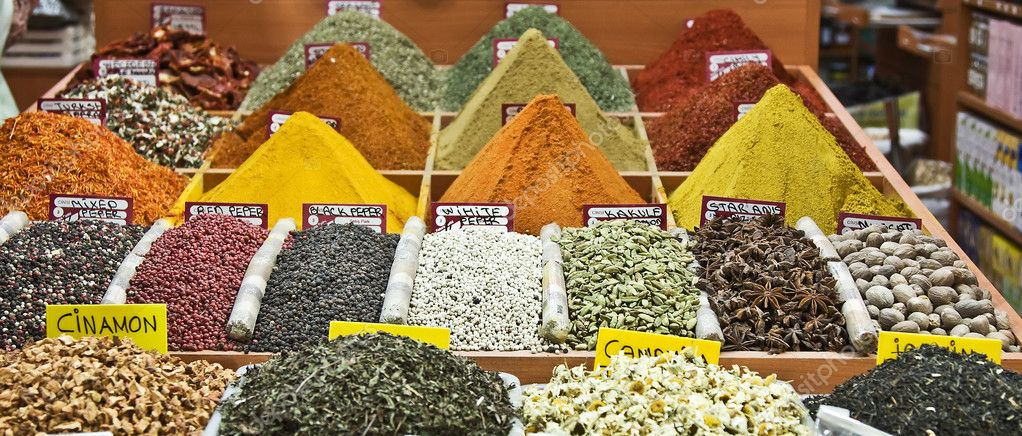 Colorful spices on the Istanbul's spice market — Stock Photo #3109993