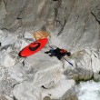 Kayaker looking for the way — Stock Photo