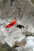 Kayaker looking for the way — Stock fotografie