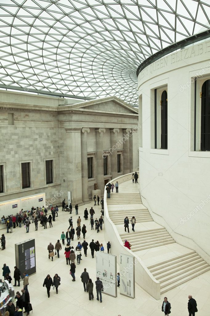 LONDON - FEBRUARY 13: visiting the British Museum - museum of human history and culture and one of the top attractions of London. London, UK, February13, — Stock Photo #3774044