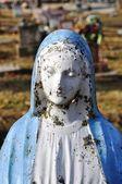 Gravesite - Mary statue - close-up — Stock Photo