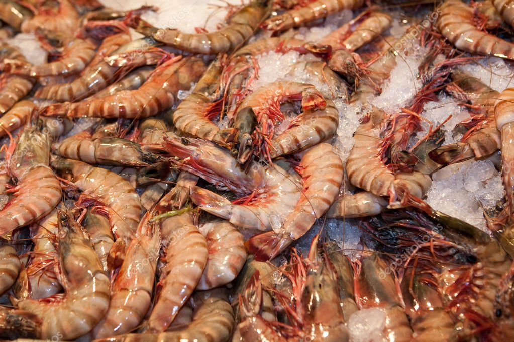 Fresh shrimps closeup in resaurant in Thailand — Stock Photo #2900697