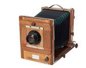 Old vintage photo camera — Stock Photo