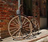 Antique bicycle — Stock Photo