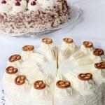 Kuchenbuffet mit verschiedenen Kuchen — Stockfoto