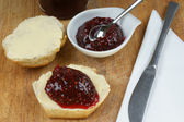 Scone with organic jam — Stock Photo