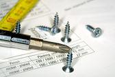 Screwdriver and screws — Stock Photo