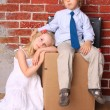 Young couple moving house — Stock Photo