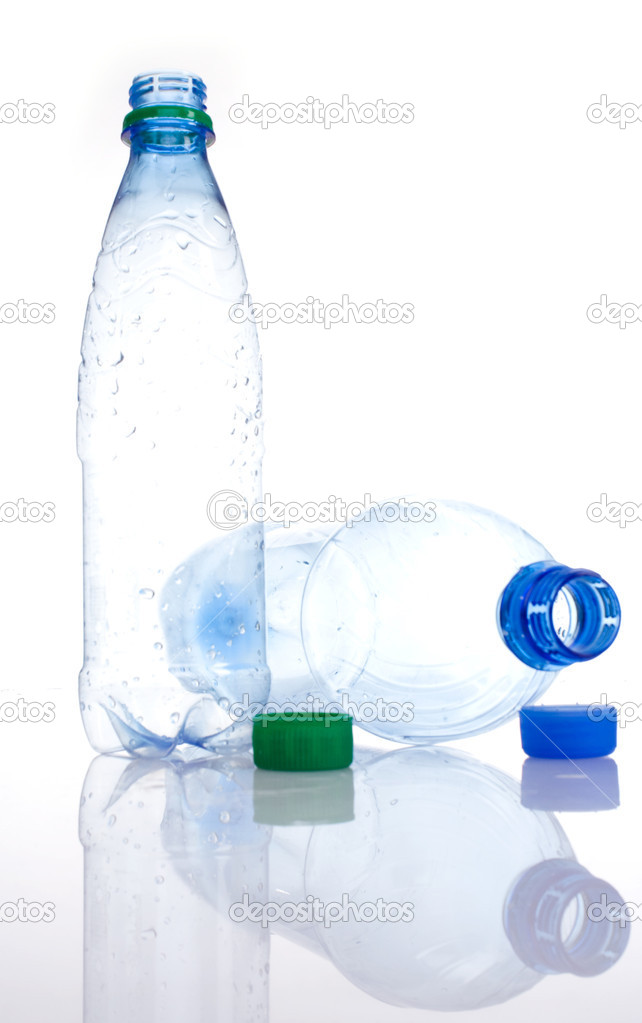 The empty plastic bottles. Isolated — Stock Photo #2748292