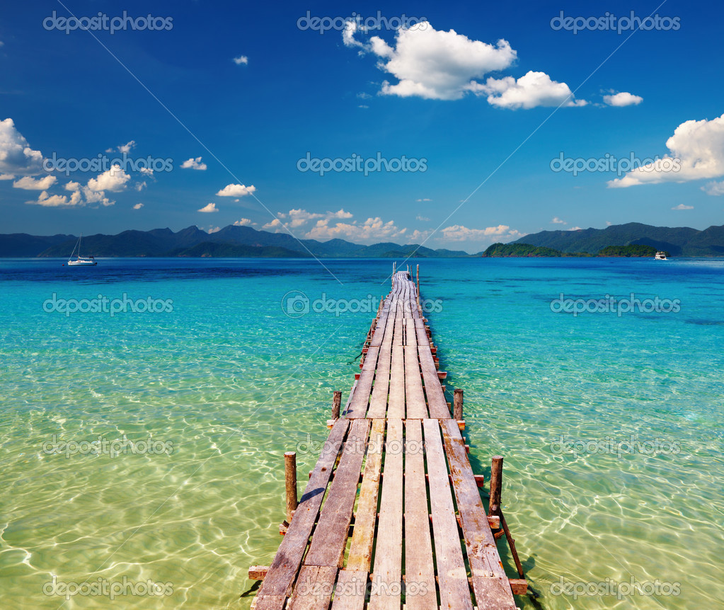 Wooden pier in tropical paradise — Stock Photo © muha04 ...