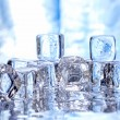 faire fondre les cubes de glace — Photo #2998852