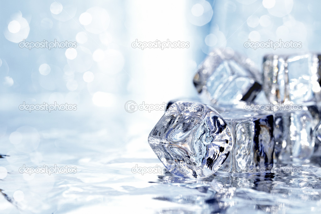 Melting ice cubes — Stock Photo #2998721